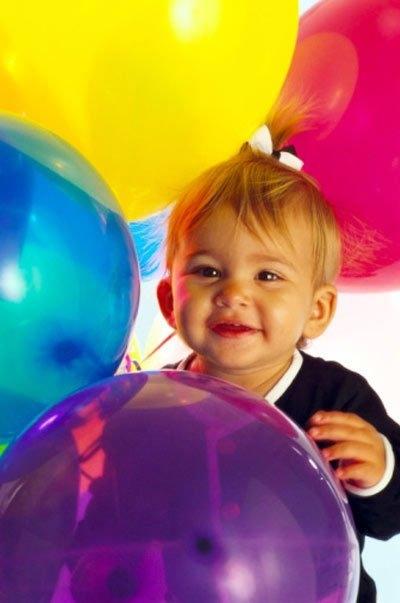 Trẻ dễ nhiễm hóa chất độc hại từ bóng bay.