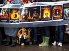Biểu tình trước trụ sở Liên Hiệp Quốc, New York, 10/12/2012, tưởng niệm những người Tây Tạng tự thiêu REUTERS/Lucas Jackson