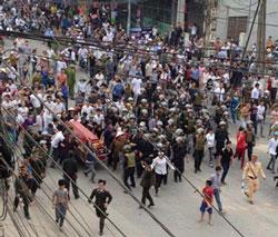 Ít nhất 1.000 người đem quan tài người chết biểu tình vào ngày hôm qua 17 tháng 3 tại thành phố Vĩnh Yên tỉnh Vĩnh Phúc