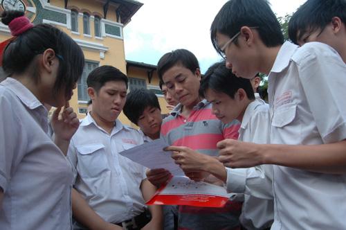 Ngoài thay đổi thứ tự môn thi, những điểm khác về thời gian, đối tượng ưu tiên... của kỳ tuyển sinh 2013 không thay đổi.