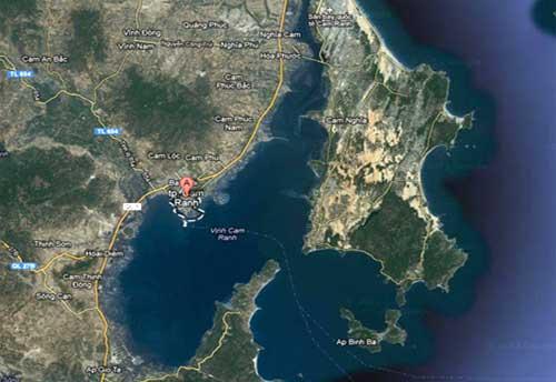 """Cam Ranh với sách lược """"dĩ bất biến, ứng vạn biến"""" của Việt-Nga - Cảng Cam Ranh nhìn từ vệ tinh"""