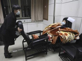 Bệnh nhân bị nghi ngờ nhiễm H7N9-Chiết Giang REUTERS/Chance Chan