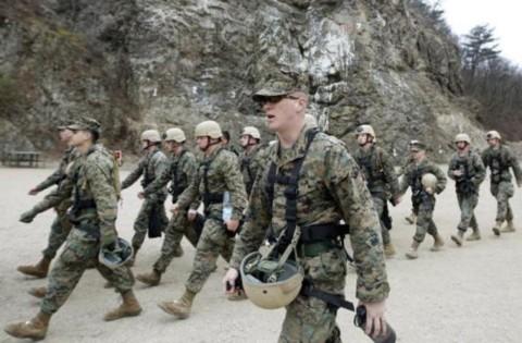 Các thành viên của Nhóm an ninh chống khủng bố Thái Bình Dương thuộc Hạm đội Lính thủy đánh bộ Mỹ gồm 46 binh sĩ từ căn cứ quân sự ở Norfolk, Virginia tham gia vào tập trận chiến tranh trên núi ở Pohang.