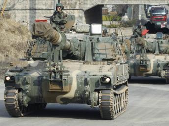 Lính Hàn Quốc tại Paju, gần khu vực phi quân sự sát biên giới BTT. Ảnh chụp ngày 04/04/2013 Reuters