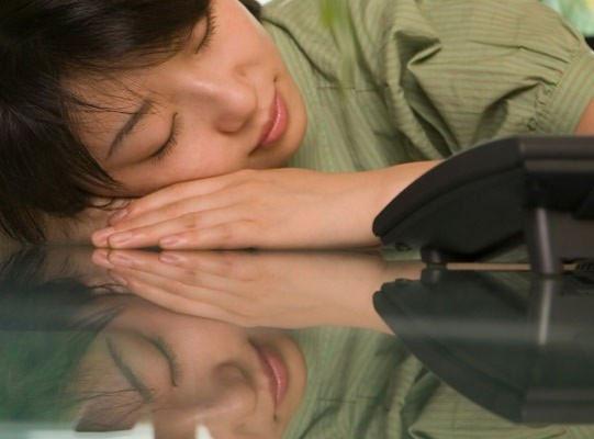 Ngủ quá nhiều nguy hiểm không kém ngủ ít - Tin180.com (Ảnh 1)