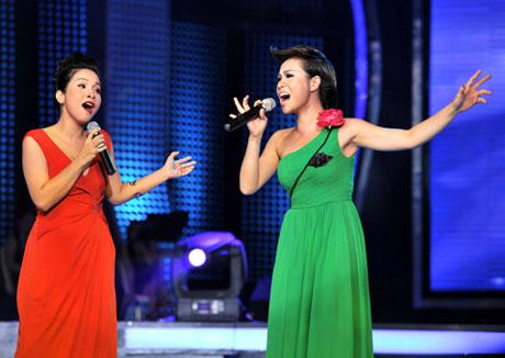 Mỹ Linh - Uyên Linh, hai ca sĩ được nhiều khán giả mến mộ