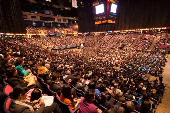 8000 học viên Pháp Luân Công tổ chứcsự kiện lớn chưa từng có, người sáng lập đến tham dự - Tin180.com (Ảnh 1)