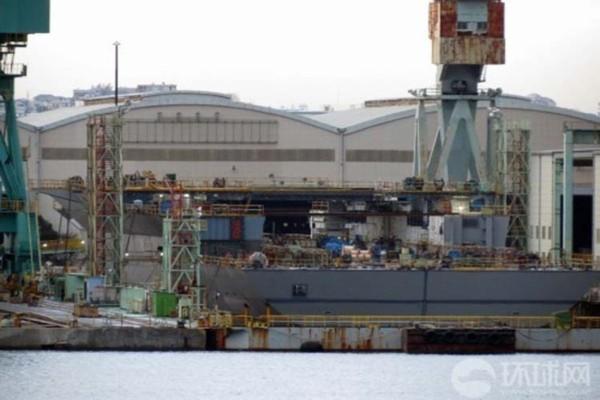 Trước đó, vào đầu năm nay báo chí TQ cũng đã công bố những bức ảnh hiếm hoi và quá trình đóng mới tàu 22DDH của Nhật Bản.