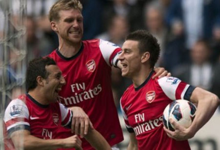 Arsenal giành vé dự Champions League mùa giải tới
