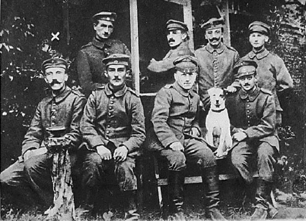 Điều ít được biết về đội quân chó biết nói của Hitler 7