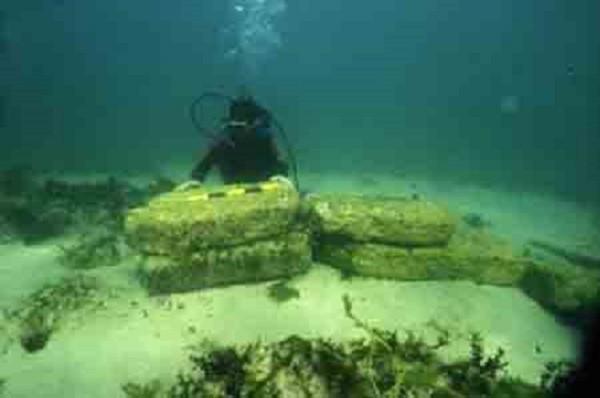 Những bí ẩn kinh ngạc chìm dưới đáy đại dương 10
