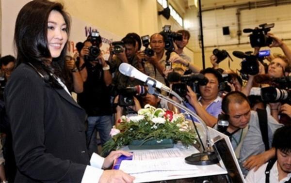 Vẻ đẹp hút hồn của nữ Thủ tướng Thái Lan 9