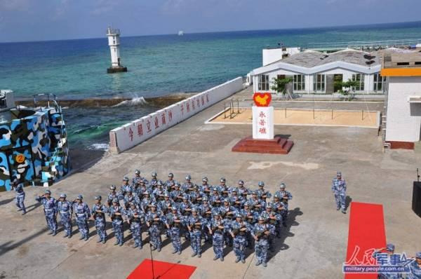 Một khu nhà ở của lính Trung Quốc đang chiếm đóng trái phép Đá Chữ Thập.