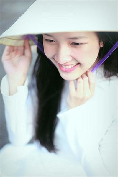 Hoa khôi Quốc học Huế đạt điểm tốt nghiệp loại Giỏi
