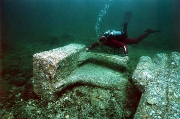 Khám phá thành phố Ai Cập huyền thoại chìm dưới đáy biển 5