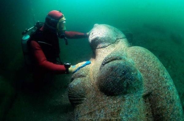 Khám phá thành phố Ai Cập huyền thoại chìm dưới đáy biển 6