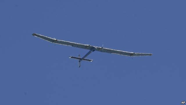Chiếc Solar Impulse (AP Photo/Jeff Chiu)