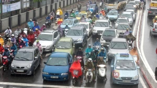 Nhiều tuyến phố Hà Nội ngập do ảnh hưởng bão số 2 12
