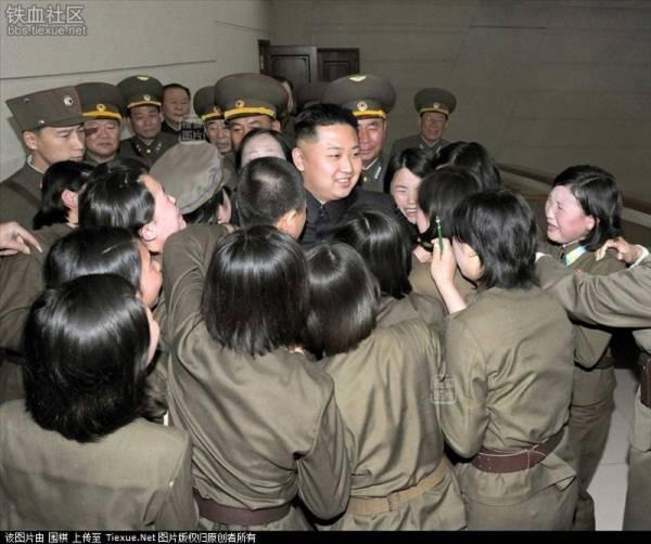 Ở Triều Tiên, nước mắt được coi là biểu tượng của lòng trung thành tuyệt đối với lãnh tụ