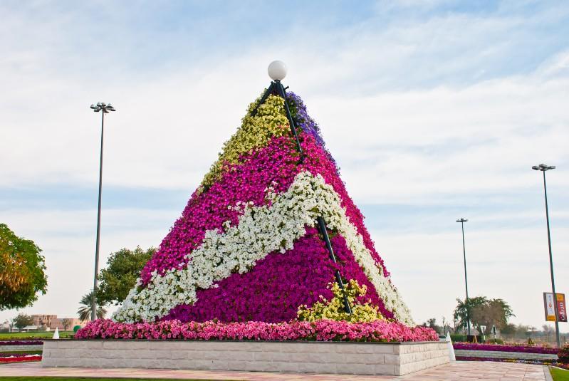 Пирамида из цветов своими руками
