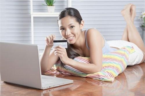 Không nên tùy tiện khai thông tin liên quan đến thẻ ATM hoặc Visa.