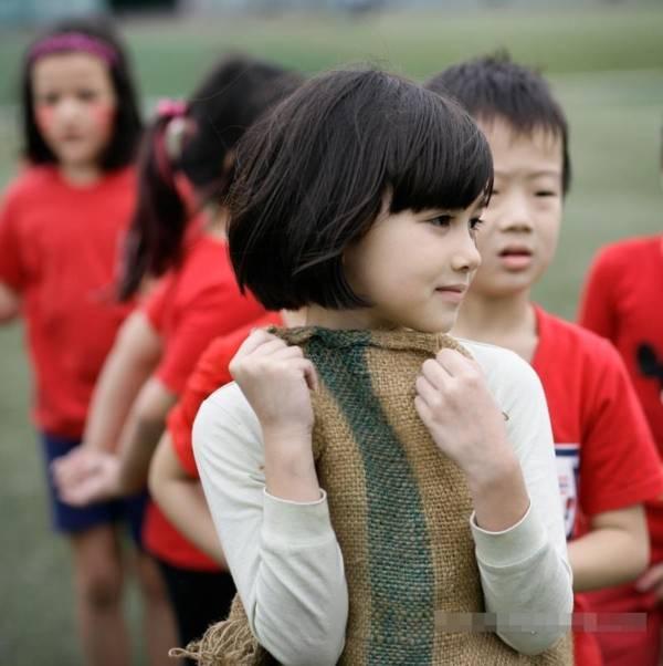 Khuôn mặt đẹp như thiên thần của cô nhóc học sinh trường Quốc tế Hà Nội - Tin180.com (Ảnh 1)