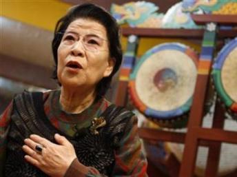 Bà Kim Young-soon trả lời hãng Reuters tại trường múa ở Seoul, Hàn Quốc, 02/02/2010. REUTERS