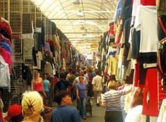 Một góc chợ của người Việt tại Nga