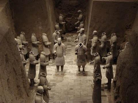 Những lăng mộ bí ẩn