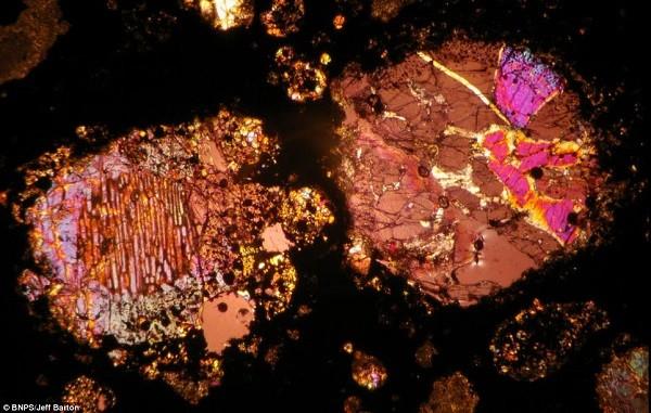 Vẻ đẹp kinh ngạc của thiên thạch 4,5 tỷ năm tuổi 9