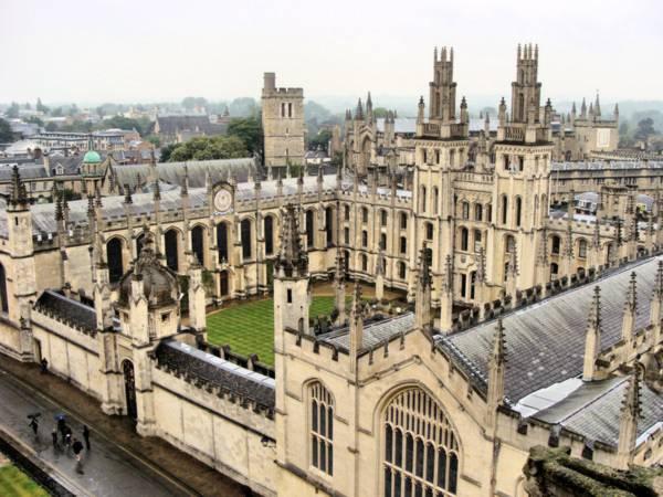 Những địa danh giống hệt trường Hogwarts trong Harry Potter 2