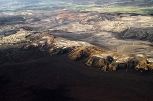 Thung lũng núi lửa tuyệt đẹp từ trên cao - 8