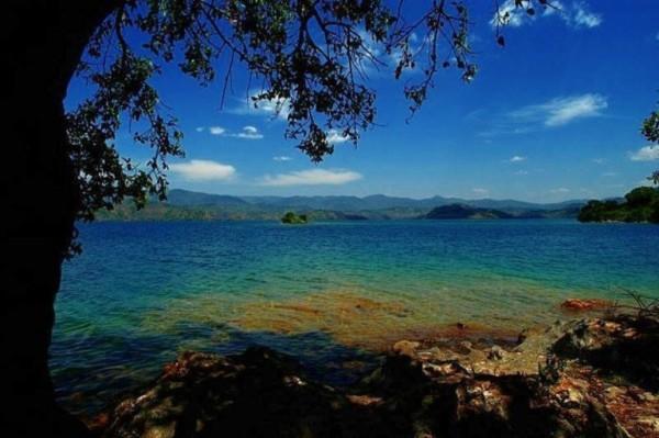 Những sông, hồ tử thần nổi tiếng của thế giới thiên nhiên 3