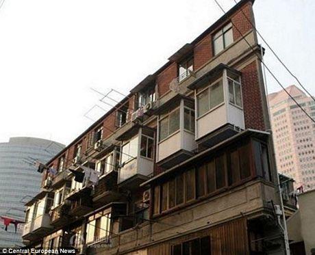 Mặc dù vậy người dân vẫn tìm được cách để sinh sống ở những nơi ngột ngạt như thế này.