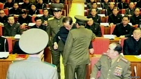 Ông Chang Song-thaek bị đưa ra khỏi cuộc họp mở rộng của Trung ương Đảng