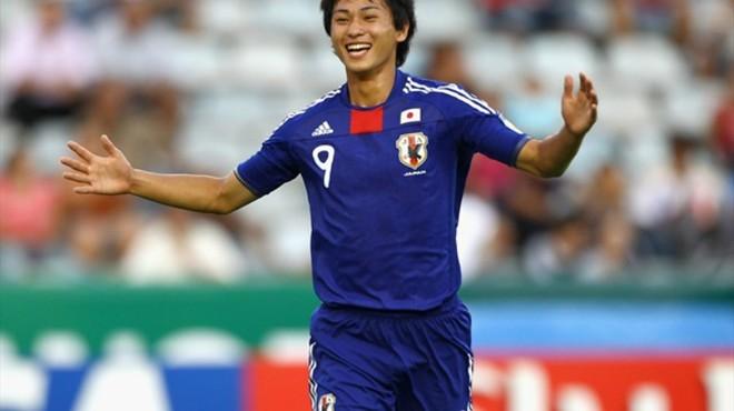 Takumi mới 19 tuổi nhưng đã sớm thi đấu đỉnh cao.