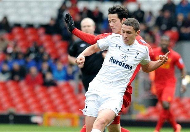 Veljkovic sẽ sớm xuất hiện ở đội 1 Tottenham.