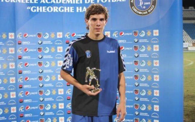 Balasa là cầu thủ đắt giá nhất của U19 Roma.