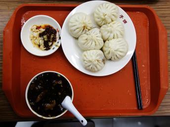 Bánh bao tại nhà hàng Khánh Phong (Qing Feng), Bắc Kinh, nơi được cho là Chủ tịch Tập Cận Bình đến xếp hàng mua, ngày 27/12/2013 REUTERS