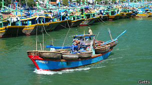 Ngư dân VN có thể bị ảnh hưởng lớn bởi quy định mới về vùng đánh cá của TQ trên 2/3 Biển Đông
