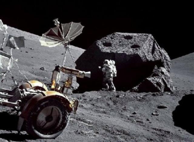 Mặt trăng là rất nhiều như những tàn tích của thành phố của con người.  (Ảnh Internet)