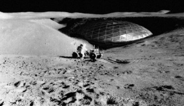Astros cũng đang hạ cánh trên mặt trăng, UFO nhìn thấy.  (Ảnh Internet)