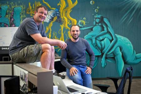 Hai nhà sáng lập Brian Acton (trái) và Jan Koum của WhatsApp.