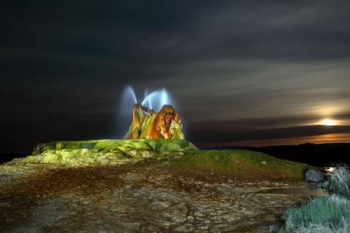 Mạch nước Fly Geyser - cảnh đẹp ngoài hành tinh