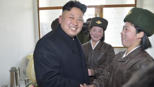 Đàn ông Triều Tiên phải để tóc như Kim Jong-un - Ảnh 1