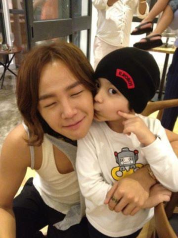 Top 5 mỹ nam Hàn sẽ là những ông bố tuyệt vời nhất 2