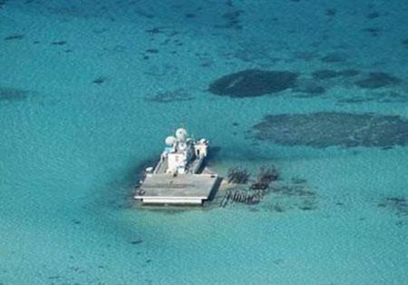 Ngày 15/5, Philippines đã công bố các bức ảnh Quân đội Philippines chụp được cho thấy các hoạt động cải tạo đất đang được Trung Quốc tiến hành trên bãi đá Gạc Ma. Manila lên án Bắc Kinh đã vi phạm các thỏa thuận khu vực với cam kết không leo thang tranh chấp ở Biển Đông.