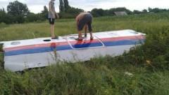 Một mảnh vỡ của MH17 tại Đông Ukraine