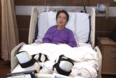 Cựu biên tập viên của tờ Minh Báo theo khuynh hướng tự do, ông Lưu Tiến Đồ phải nằm trong bệnh viện ở Hồng Kông vào tháng 2/2014 sau khi bị những gã cầm rìu đánh đập dã man, và bỏ ông lại trong tình trạng nguy kịch. (Chụp màn hình/Mingpao.com)