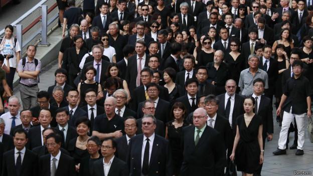 Các luật sư Hong Kong tuần hành để bảo vệ quyền lợi của họ, còn Việt Nam thì sao?